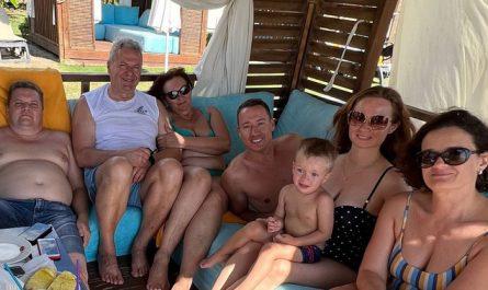 Turkey_family_2021